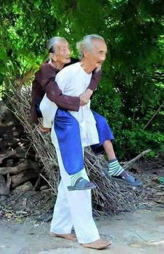 Powerful Image of People Photography Old Couples Vieux Couples, Old Couples, Old Love, Just Love, True Love, Forever Love, Forever Young, Art Amour, Growing Old Together