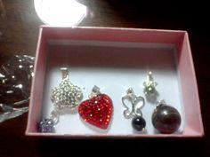 Joyas de plata  Disponible solo  Corazón Swarovski Rojo