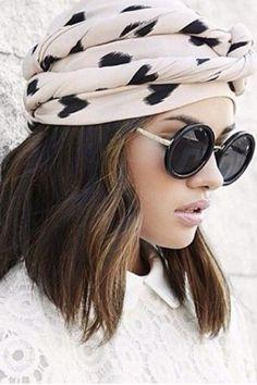 Street Style con pañuelo en la cabeza