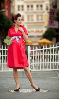 cute maternity dress!