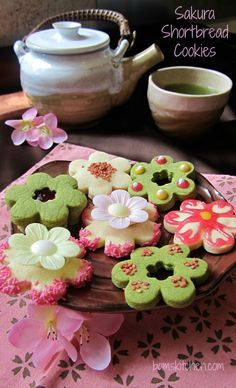 Sakura Shortbread Cookies/ The perfect way to celebrate Hanami/ Cherry blossoms/ Matcha Green Tea Shortbread cookies/ http://bamskitchen