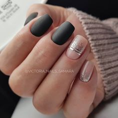 The Contrast Of Dark & Light Shades With Glitter Accent ❤ 35 Outstanding Classy Nails Ideas For Your Ravishing Look […] Chic Nail Art, Chic Nails, Classy Nails, Stylish Nails, Fancy Nails, Simple Nails, Pretty Nails, Classy Nail Designs, Short Nail Designs