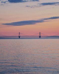 """Πατρινό δίδυμο """"σαρώνει"""" στο instagram ποστάροντας τις ομορφιές της πόλης μέσα από """"ψαγμένες"""" φωτογραφίες - Life&the City - The Best News Celestial, Sunset, Beach, Water, Places, Outdoor, Instagram, Gripe Water, Outdoors"""