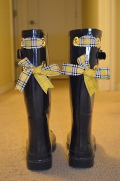 DIY ribbons on wellies!  Super duper cuteness :-)