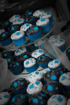 These are fun cupcakes and would make a perfect late night snack for guests at your reception! #Minnesota #weddings