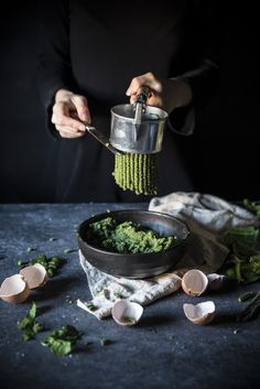 Passatelli di spinaci in brodo di verdure- Spinach passatelli in green broth - Frames of sugar-Fotogrammi di zucchero
