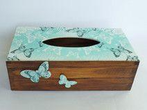 Chustecznik drewniany z motylami