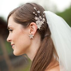 star-spangled headband   we ❤ this!  moncheribridals.com  #weddinghairaccessories