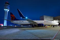 Boeing 737-832 aircraft picture