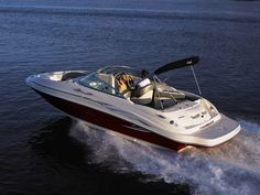Sea Ray 220 Sundeck Boat