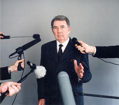 Edouard Levé, Actualités, La Déclaration, 2001