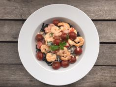 Black Tagliatelle With Shrimps & Tomatoes Yummy Pasta Recipes, Tomatoes, Shrimp, Seafood, Sausage, Oatmeal, My Favorite Things, Breakfast, Easy