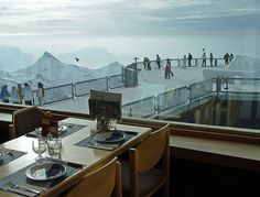 It's like being at the top of the world at the Piz Gloria revolving restaurant on the Schilthorn mountain in the Bernese Oberland. The James Bond movie On Her Majesty's Secret Service was filmed here. Zermatt, Lausanne, James Bond Movies, Beautiful Hotels, Simply Beautiful, Top Of The World, Art And Architecture, Us Travel, Places Ive Been