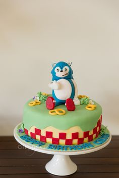 Photography: www.christinajackphotography.com Sonic Birthday Party by Bethany Claire Cakes http://www.bethanyclairecakes.com.au
