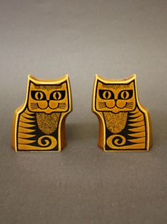 Hornsea Pottery Cat Cruets designed by John Clappison Vintage Tableware, Vintage Ceramic, Hornsea Pottery, Vintage Kitchen, Charity, Objects, Tablewares, Mid Century, Colours