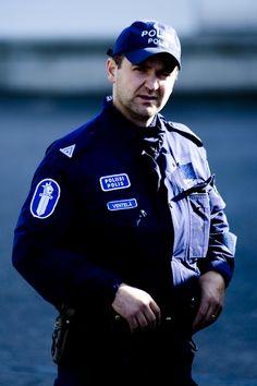https://flic.kr/p/5oXLpJ | Poliisi