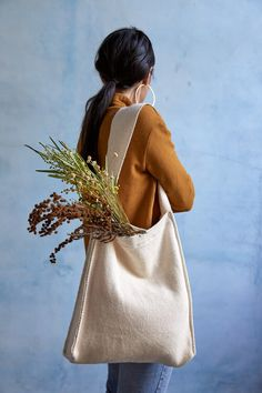 the alma tote (natural) — the cloth project Source by emmymgreene aesthetic Cotton Tote Bags, Reusable Tote Bags, Bag Packaging, Fabric Bags, Shopper Bag, Cloth Bags, Handmade Bags, Fashion Bags, Creations