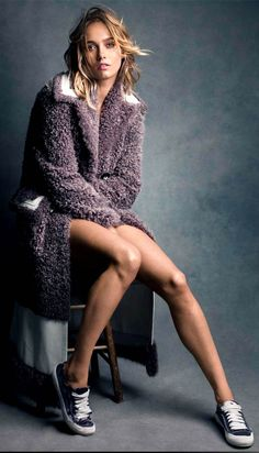 Supermodel Karmen Pedaru stars in the cover story of Vogue Mexico's November 2015 edition captured by fashion photographer Victor Demarchelier Photo Portrait, Female Portrait, Victor Demarchelier, Style Photoshoot, Karmen Pedaru, Shotting Photo, Johann Wolfgang Von Goethe, Vogue Mexico, Model Test