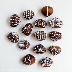 basteln-mit-kastanien-bemalte-kastanien tinker-chestnut with chestnut-painted– Autumn Crafts, Nature Crafts, Conkers Craft, Diy And Crafts, Crafts For Kids, Fall Diy, Halloween Diy, Diy For Kids, Diy Art