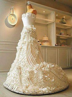 carte virtuelle anniversaire de mariage gratuite 1 un gateau en robe de mariee - Cartes Virtuelles Anniversaire De Mariage