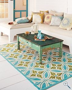 Making your own DIY outdoor rug isn't as difficult as it may seem.