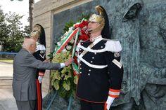 Celebrazione primo maggio - anno 2013 Il presidente Napolitano omaggia le vittime del lavoro davanti al bassorilievo di Vincenzo Vela