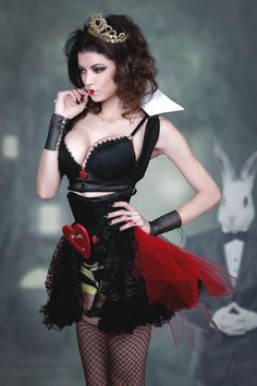 Vamptress LeeAnna Vamp as the Red Queen from Alice In Wonderland Cosplay Alice In Wonderland, Alice Cosplay, Wonderland Costumes, Cosplay Girls, Gothic Lingerie, Girls Gallery, Beautiful Women Pictures, Queen Of Hearts, Cosplay Costumes