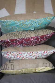 When we think of cushion cover ideas, we often think about using bolts of fabric from the store. For an unusual and unique pillow cover idea, check out these Vintage Burlap Sack DIY Pillow Covers. Burlap Projects, Burlap Crafts, Fabric Crafts, Sewing Projects, Diy Pillow Covers, Cushion Covers, Pillow Cases, Cushion Pillow, Seat Covers