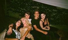 Da desta: Angie, Lyra, Fred, George ed Alicia.