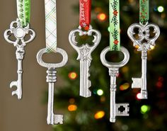 Make these simple metallic DIY ornaments using $1 keys and spray paint!