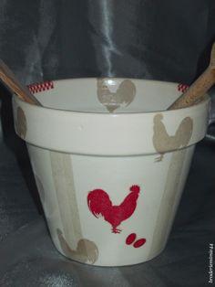"""Collage serviette papier - Coq """"classe""""- Pot Diam.15.5cm - Décoration -.  Blog : http://broderiemimie44.canalblog.com/"""