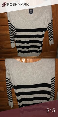 American eagle striped sweater Really soft and trendy! Fabric is light American Eagle Outfitters Sweaters Crew & Scoop Necks