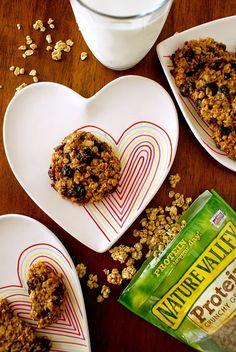 Granola Breakfast Cookies for busy weekday mornings! #backtoschool #healthy #breakfast #ad #NatureValleyGranola