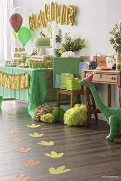 Dinosaur Birthday Party Ideas Birthday Party Printable Decorations<br> Our party planning experts share their tips on throwing the best dinosaur themed birthday party. You'll feel prehistoric with this roar-tastic birthday party theme! Dinasour Birthday, Dinosaur First Birthday, Fourth Birthday, Boy Birthday Parties, Birthday Ideas, Children Birthday Party Ideas, Party Themes For Kids, 3 Year Old Birthday Party Boy, Birthday Themes For Boys