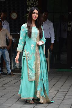 Warina Inspired Sharara Suit Custom-made Suits now available in any sizes. Indian Fashion Dresses, Dress Indian Style, Indian Designer Outfits, Asian Fashion, Designer Bridal Lehenga, Indian Bridal Lehenga, Bollywood Celebrities, Bollywood Fashion, Custom Made Suits
