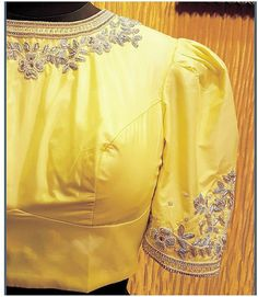 Latest Blouse Patterns, Stylish Blouse Design, Fancy Blouse Designs, Pattu Saree Blouse Designs, Blouse Models, Work Blouse, Indian Embroidery, Hand Embroidery, Embroidery Designs