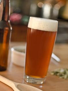 """Ettonante is French for """"amazing,"""" which describes this Belgian dark strong ale . Brewing Recipes, Homebrew Recipes, Beer Recipes, Ale Recipe, More Beer, Brewing Equipment, Home Brewing Beer, Grain Foods, Wine And Liquor"""
