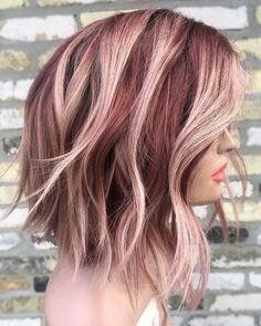 You deserve some amazing Rose Gold Hair Color for your long hair. So, regarding that, we have gathered some lovely Rose Gold Hair Color suggestions only for you. Funky Hair Colors, Gold Hair Colors, Hair Color And Cut, Ombre Hair Color, Cool Hair Color, Bob Hair Colour Ideas, Cabelo Rose Gold, Wavy Bob Hairstyles, Haircuts