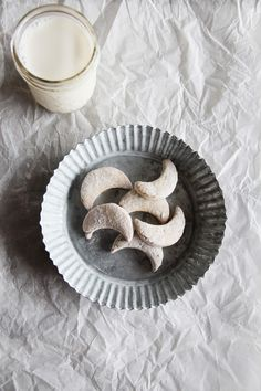 fork and flower: german vanilla crescent cookies