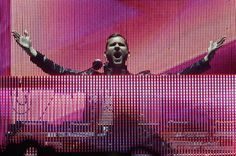 My absolute favorite producer and DJ Kaskade!!! @Insomniac Events please bring this man to White Wonderland 2014!!!!