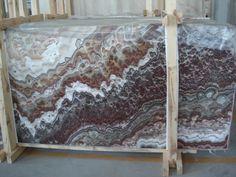 Wonderful Red Onyx by Amer Stones. Origin: Turkey.
