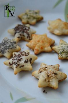 Holiday Appetizers, Appetizer Recipes, Fingers Food, Brunch, Puff Pastry Recipes, Puff Pastries, Christmas Cooking, Christmas Recipes, Sweet And Salty