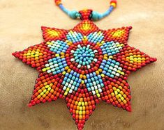 Mandala semilla de cuentas. Collar de por HANWImedicineArt en Etsy …