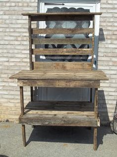 Shed potting table made from pallets