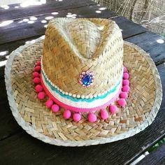 Sombrero madroños fuxia perliras y piedra azul annacivis@hotmail.com Ibiza, Mode Hippie, Boho Hat, Tiny Dancer, Pom Pom Hat, Summer Hats, Handmade Accessories, Hats For Women, Caps Hats