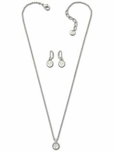 Round solitaire necklace & earrings set