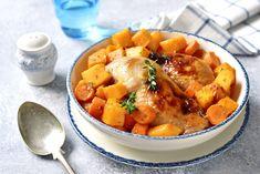 [La recette du mois🏆] Vous avez été des milliers à craquer pour notre recette de Poulet rôti aux pommes de terre et carottes ! 😍  #poulet #pouletroti #carottes #pommesdeterre #recettesimple #recettefacile #recettefamiliale #recetteconviviale Metabolic Balance, Roasted Chicken Legs, Low Carb Recipes, Healthy Recipes, Fodmap, Thai Red Curry, Pumpkin, Lunch, Meals