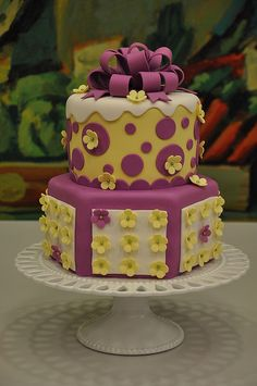 This cake looks nice for birthdays or Spring