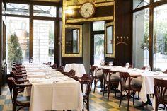 Top five bistros and brasseries of Paris! Our selection of the top five bistros and brasseries in Paris, where we like to go back to when we are in town. Brasserie Lipp Paris, Seafood Place, High School Photos, Cafe House, Cafe Bistro, French Cafe, Outdoor Tables, Outdoor Decor, Cafe Restaurant
