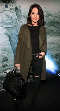 Imgs For > Sarah Greene Actress Irish Sarah Greene Actress, Beautiful People, Beautiful Women, Simple Style, My Style, Fall Wardrobe, Girl Crushes, Military Jacket, Autumn Fashion